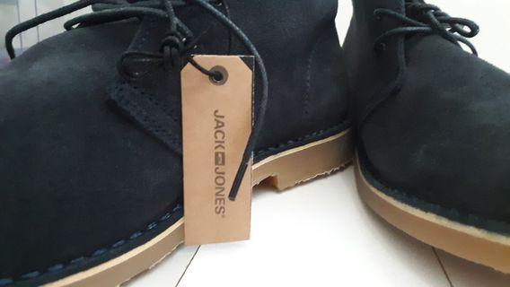 Sneakers Cowok Navy Blue