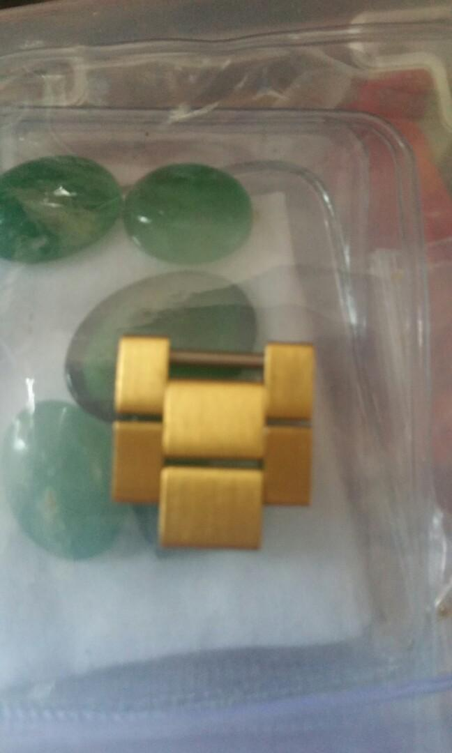 18k Rolex president spare links. Good condition