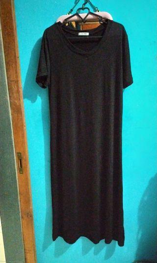 Dress v-neck hitam
