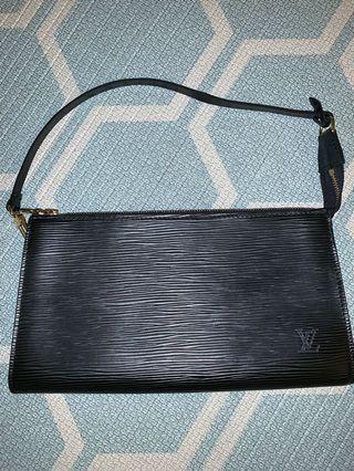 100% Authentic Louis Vuitton Pochette Noir Epi