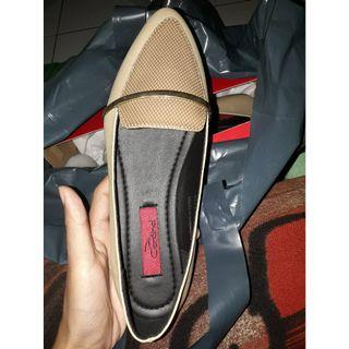 Flat shoes cardinal new