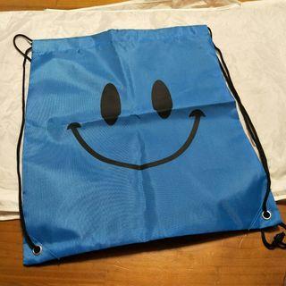 🚚 全新smile 藍色後背外出包