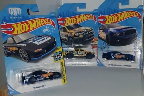 Hot Wheels lot of 3 cars with Hot Wheels tampo