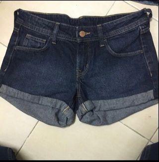 H&M Divided Short Pants