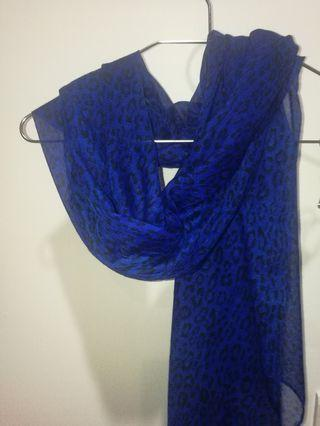 寶藍色豹紋圍巾披肩