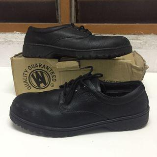 Walk About Safety Shoe