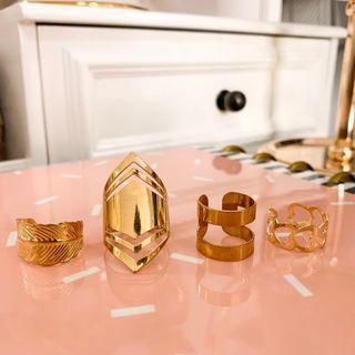 Zaful beautiful Rose gold ring set • Fashion jewelry • The rings came in different sizes and supposed to be adjustable according to the website.