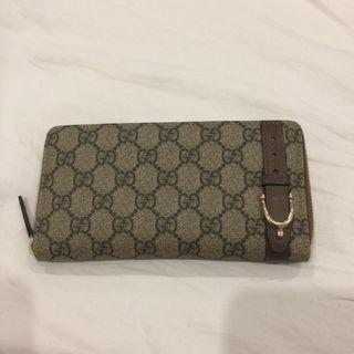 Gucci GG Supreme Long Zip Wallet