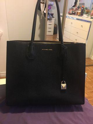 Michael Kors Pebbled Leather Mercer bag