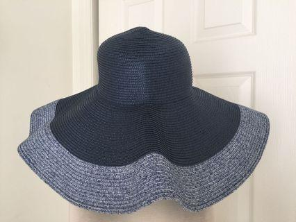 BCBG two tone floppy summer hat