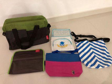Baby on the go Carrier/bags