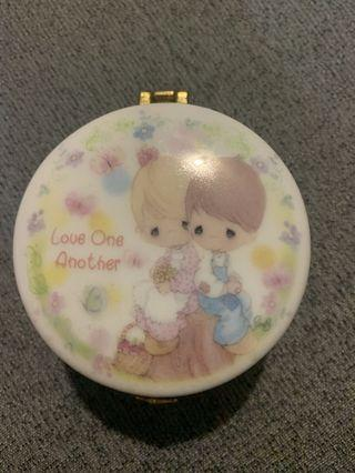 🚚 Precious Moments Love One Another Jewellery Box