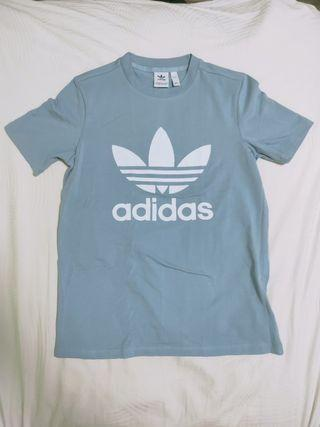 Adidas Trefoil Tee Shirt in baby blue