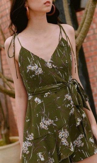 🚚 Zayla Playsuit in Olive