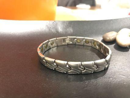 40%off Titanium silver magnetic Bracelet