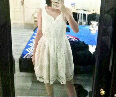 White Dress/ Dress Pesta / Dress putih