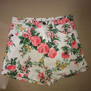 white floral highwaist shorts