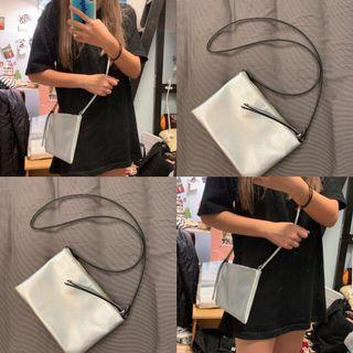 🚚 H&M銀色側背包