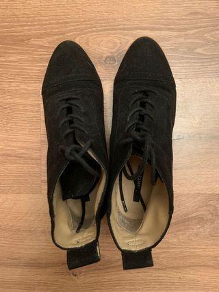 Forever 21 女裝黑色猄皮平底鞋(size: 35.5)