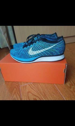 real 95%new// Nike Flyknit Racer blue glow藍色