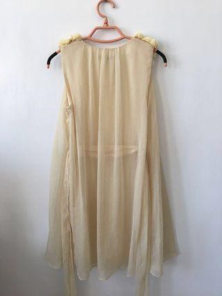 🚚 Momo 紗質鑲花鑽 伴娘氣質洋裝36 伴娘服