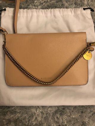 Givenchy bag 100% real n 90% new
