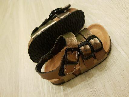 Baby Gold/Black Sandals (Size EU 23)