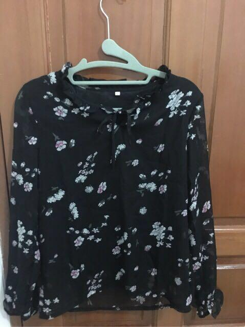 Black blouse flower long sleeve new