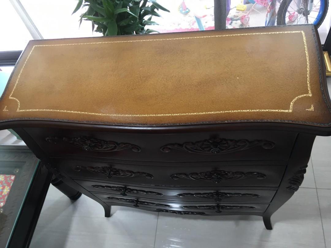 Chest of drawers ( Mahogany)