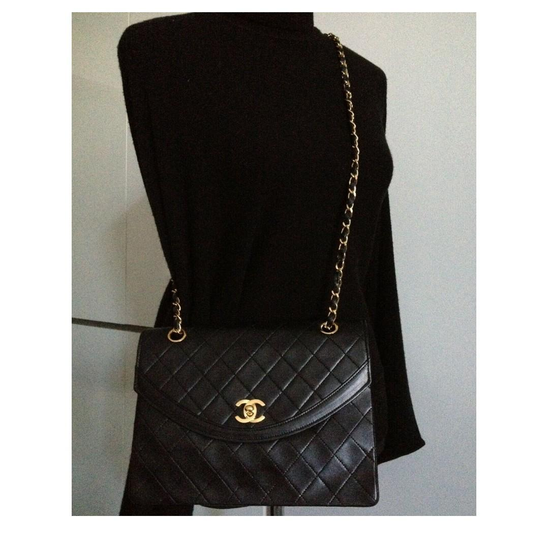 "FULL SET MINT CLASSIC CHANEL Black Quilted 24k Gold Chain Medium 10"" Flap Bag"