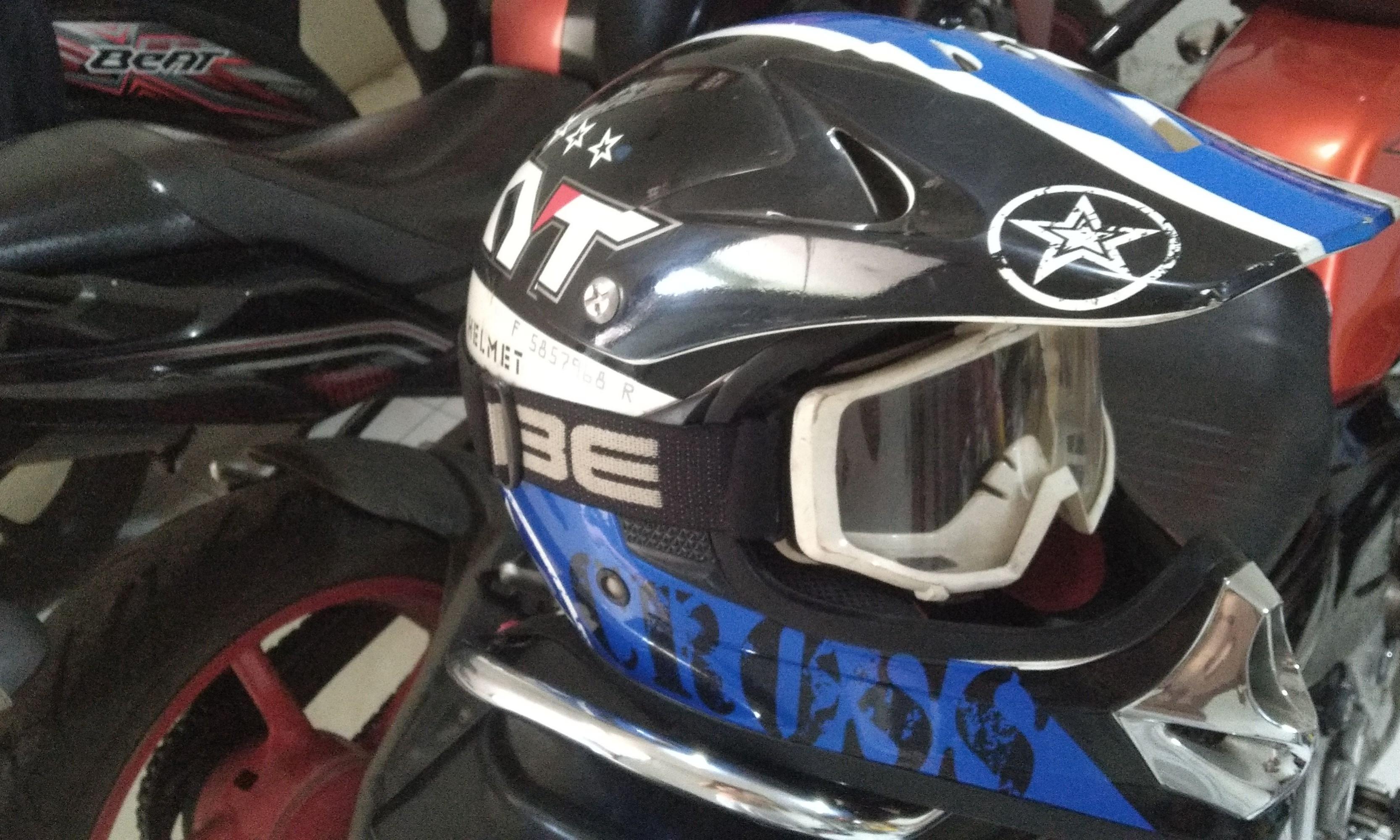Helm KYT Trail plus google