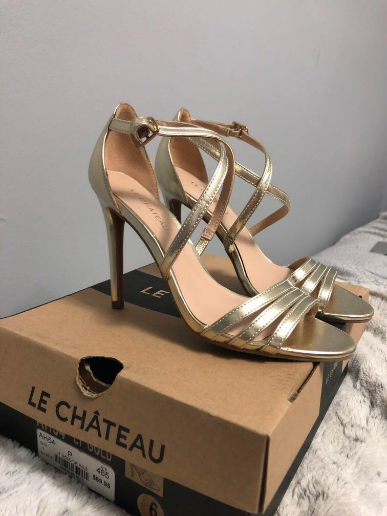 Le chateau heels worn once! Size 6