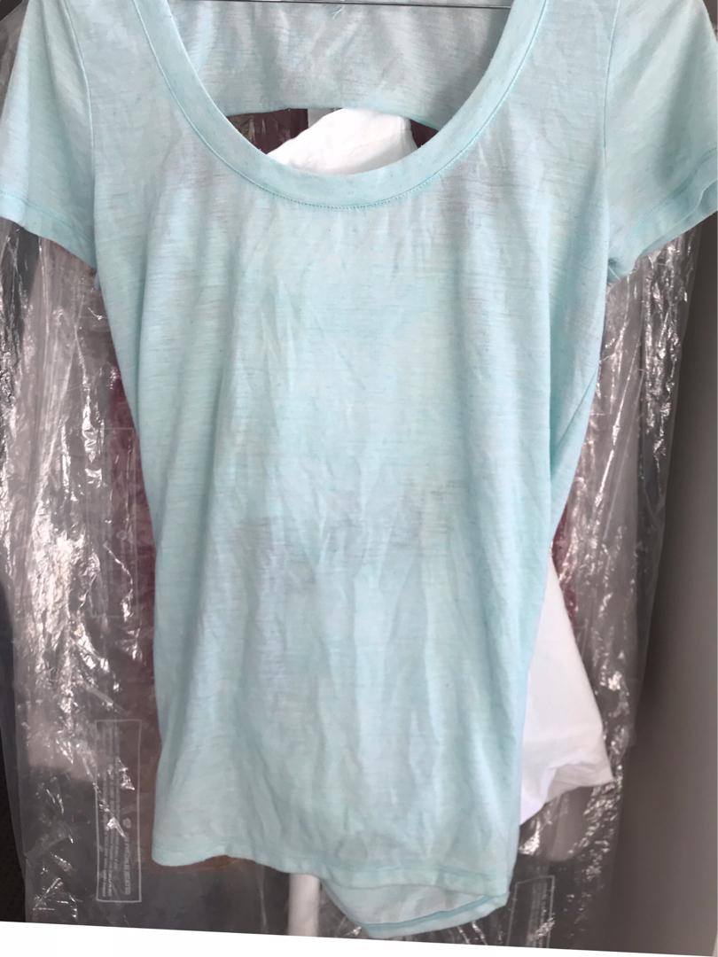 Lorna Jane teal work out yoga Pilates short sleeve top