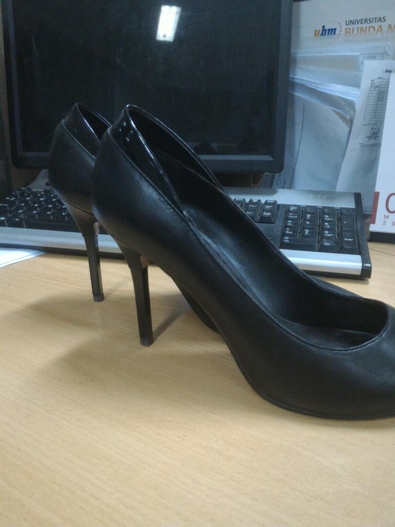 Pedro Black Heels