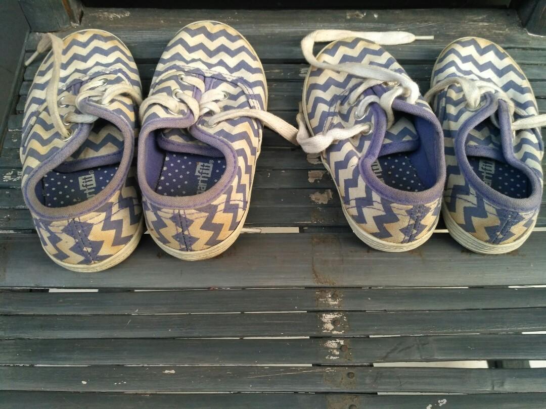 Sepatu kembaran