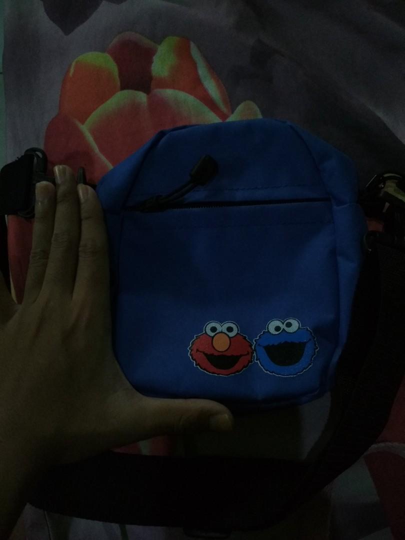 Tas korea kekinian Cookie Monster biru