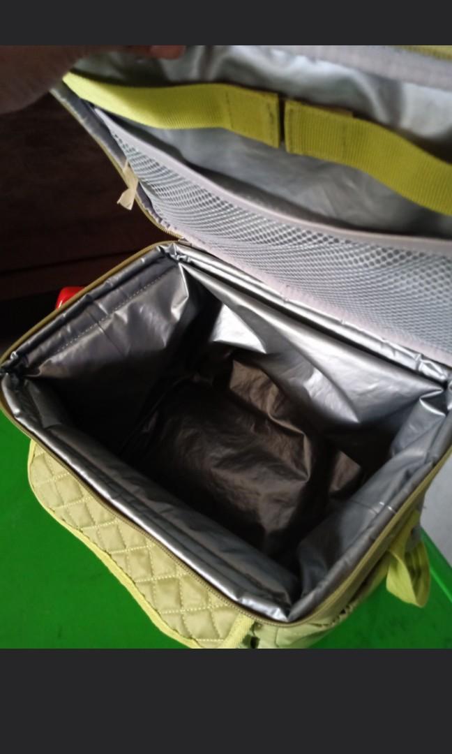 Tas perlengkapan bayi dn anak.. Msih sngt bgus bngt..like new, like  pict 😊 No minus sm sekali