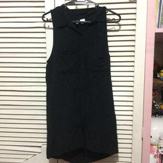 H&M black sleeveless button down polo