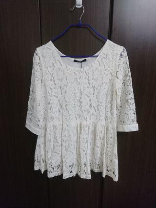 米白色布蕾絲 六分袖上衣
