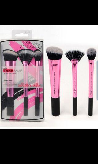 🚚 Real techniques limited edition make up brush
