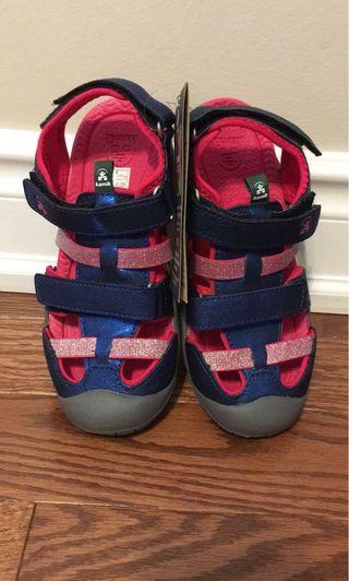 Bnwt Kamik kids sandals