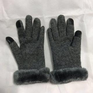Winter time wool gloves
