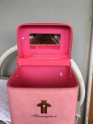 Makeup Box / MUA box / Makeup storage