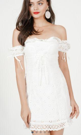 🚚 White embroidery dress