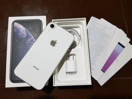 iPhone XR 128GB Factory Unlocked White Warranty til Feb 2020