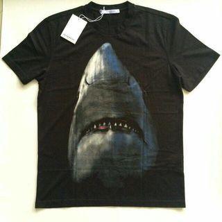 🚚 Givenchy Shark Tee