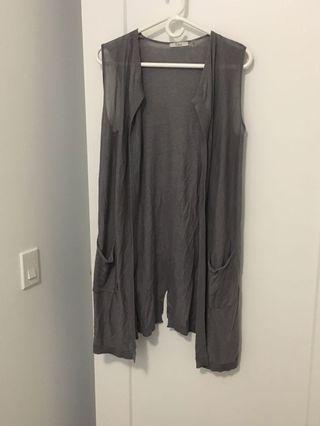 Dex sleeveless sweater/ overcoat size small