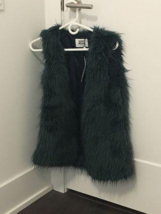 BNWT Faux Fur vest vero moda from mendecino size M