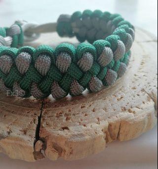 Dragon's Claw Diamond Knot Bracelet