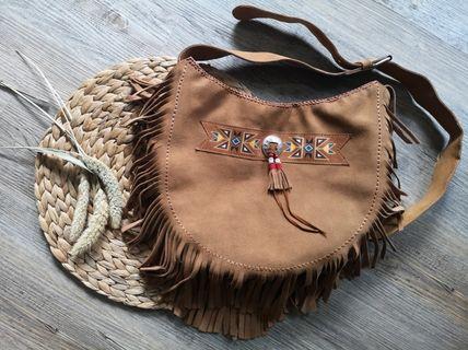 🚚 Leather Sling Bag